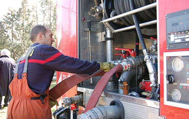 Los bomberos intervienen en tres incendios y un accidente - Muebles sanchez parla ...