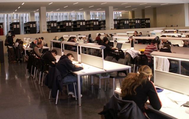 Ampliaci n del horario de las bibliotecas en poca de ex menes for Biblioteca iglesia madrid