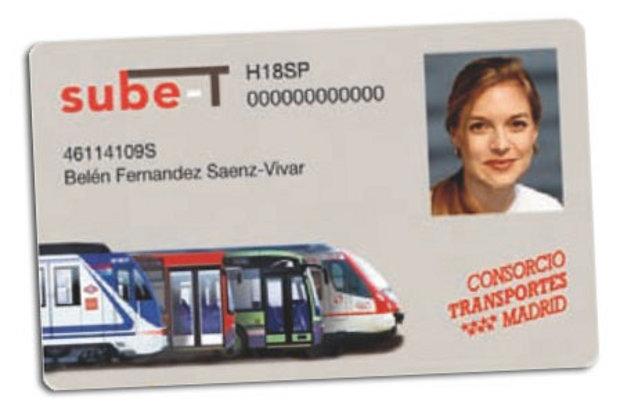 Llega la nueva tarjeta de transportes de madrid for Oficina abono transporte