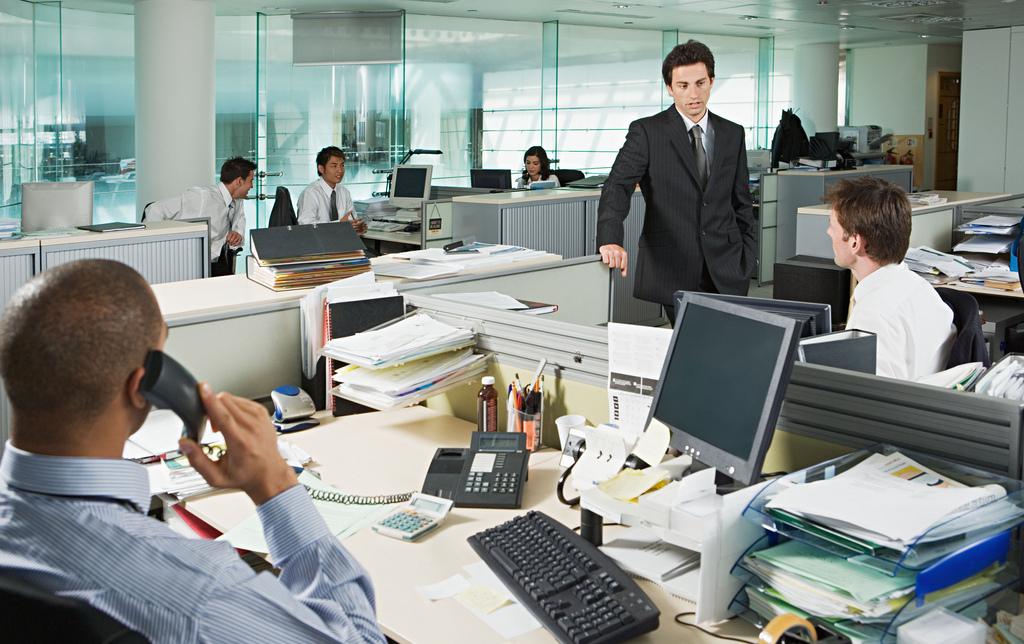Luz natural en oficina mejora calidad de sue o de empleados for Oficina de trabajo de la generalitat