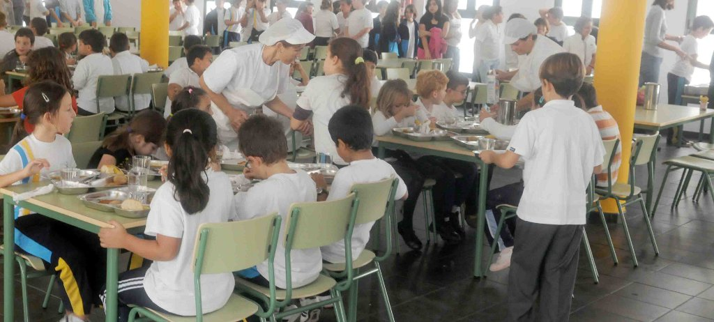 Aguirre quiere que los profesores vigilen los comedores for El comedor escolar