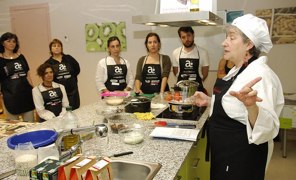 Talleres de cocina oratoria y expresi n corporal en for Taller de cocina teruel
