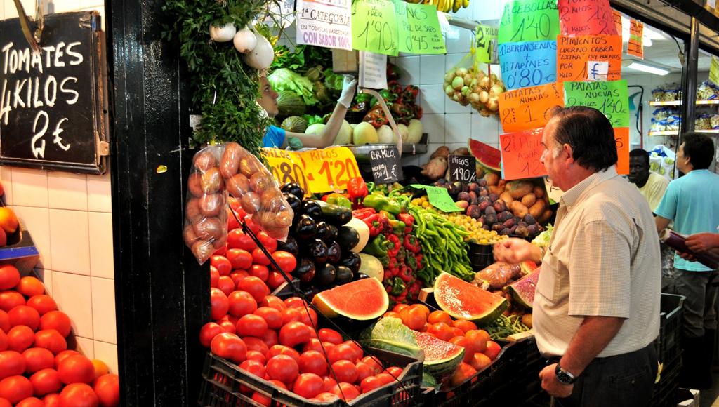 mercado compra fruta