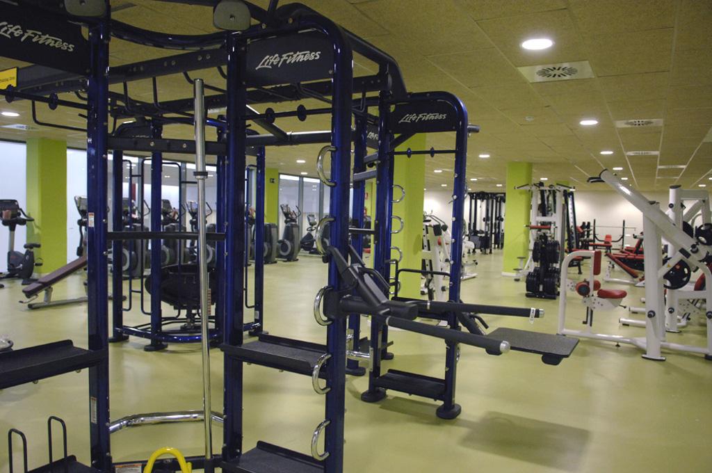 El centro deportivo vi a fitness de sanse abrir el 30 de for Gimnasio del centro