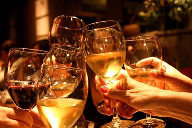 vino brindis