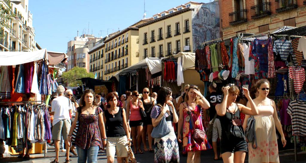 10 lugares que no te puedes perder si visitas madrid - Mercadillos madrid capital ...