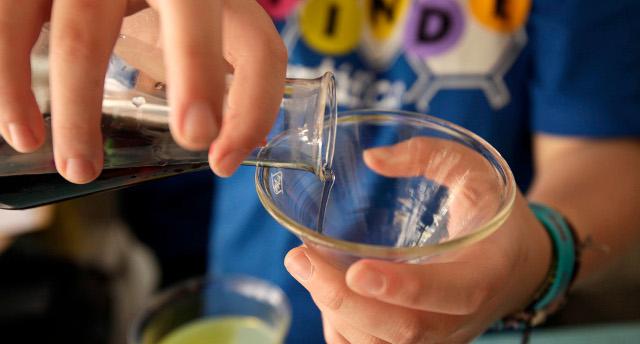 ciencia-laboratorio-Muncyt-2-niños