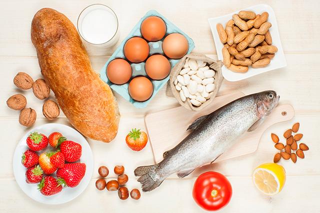 alimentos-alergia-alimentaria-pescado-pan-huevos
