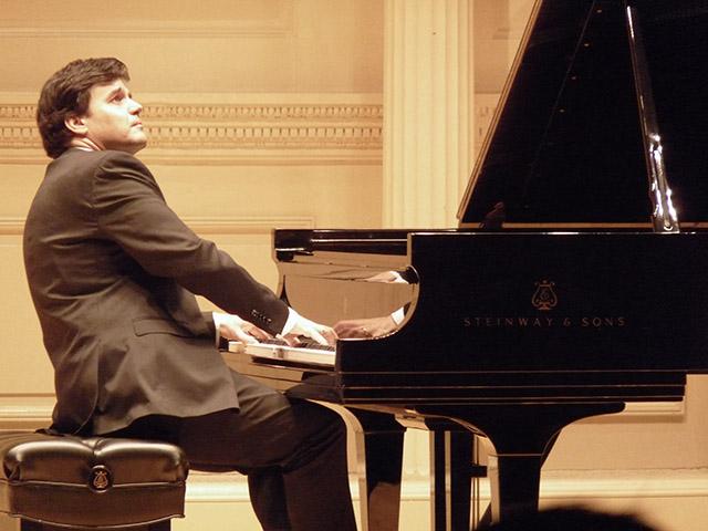 Tito-García-González-pianista-Sanse-en-NY-640