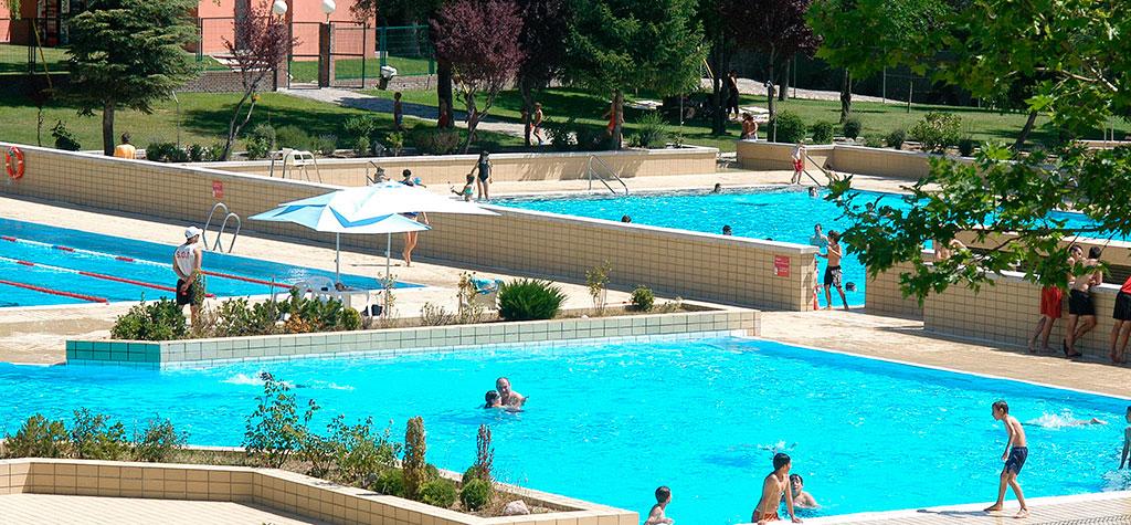 Horarios ampliados en las piscinas municipales de sanse for Piscina complutense madrid