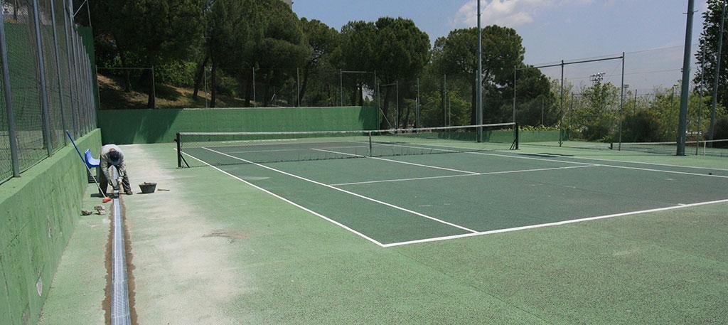 Remodelaci n de los centros deportivos de foresta y for Piscina foresta tres cantos