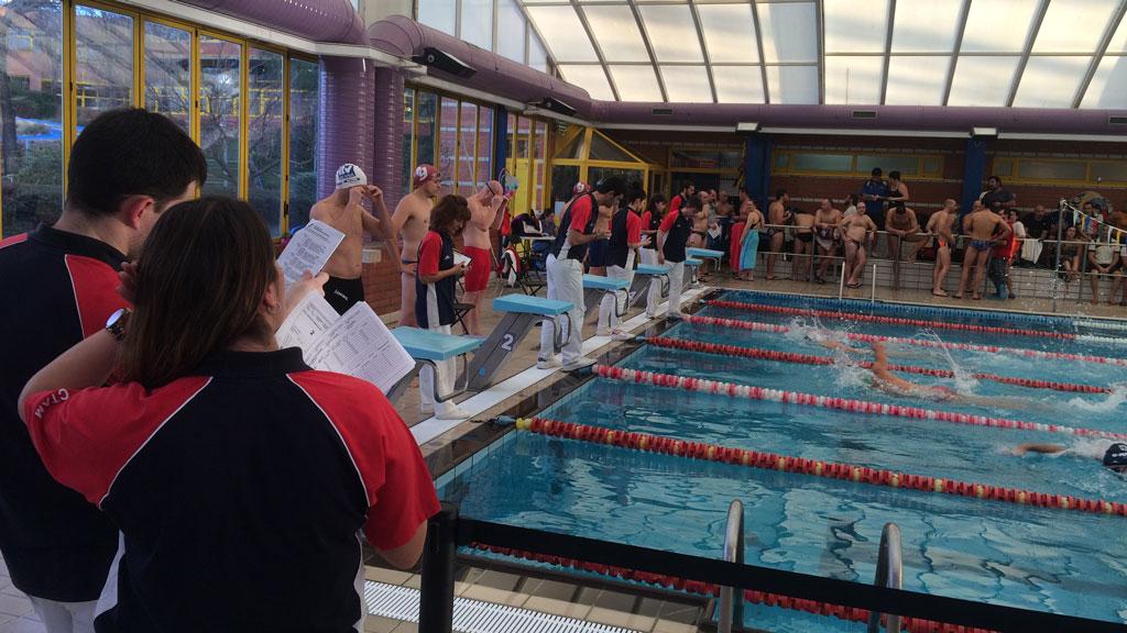 Alcobendas da la bienvenida a la nataci n competitiva en for Piscina de alcobendas