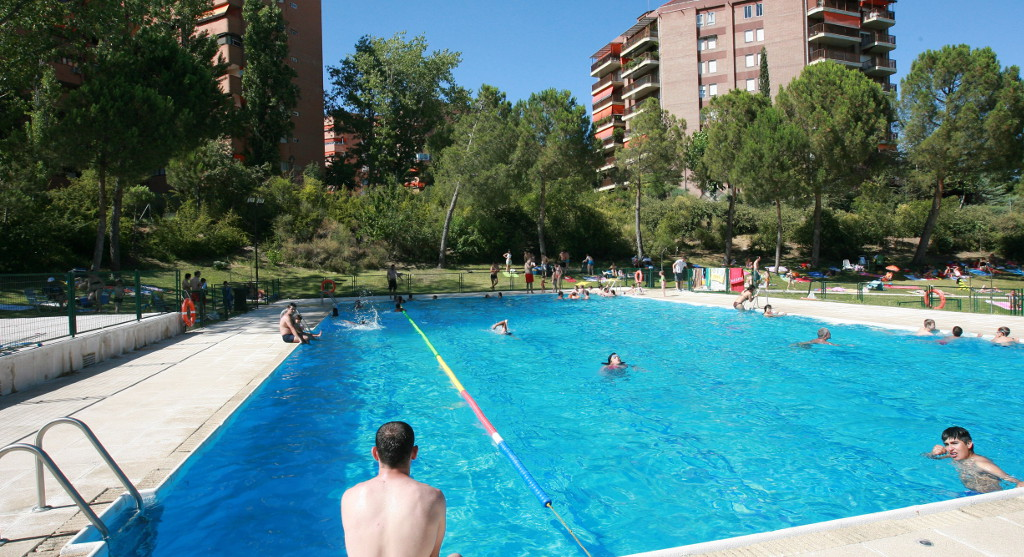 2 fiesta acu tica en la piscina municipal de foresta en