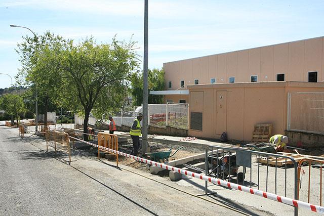 Contin an las obras de mejora en la zona industrial de - Obra nueva tres cantos ...