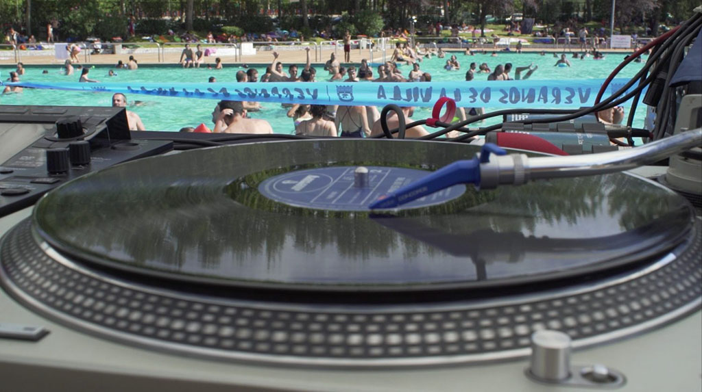 Oir electr nica bajo el agua la piscina de san blas se for Piscina de san blas
