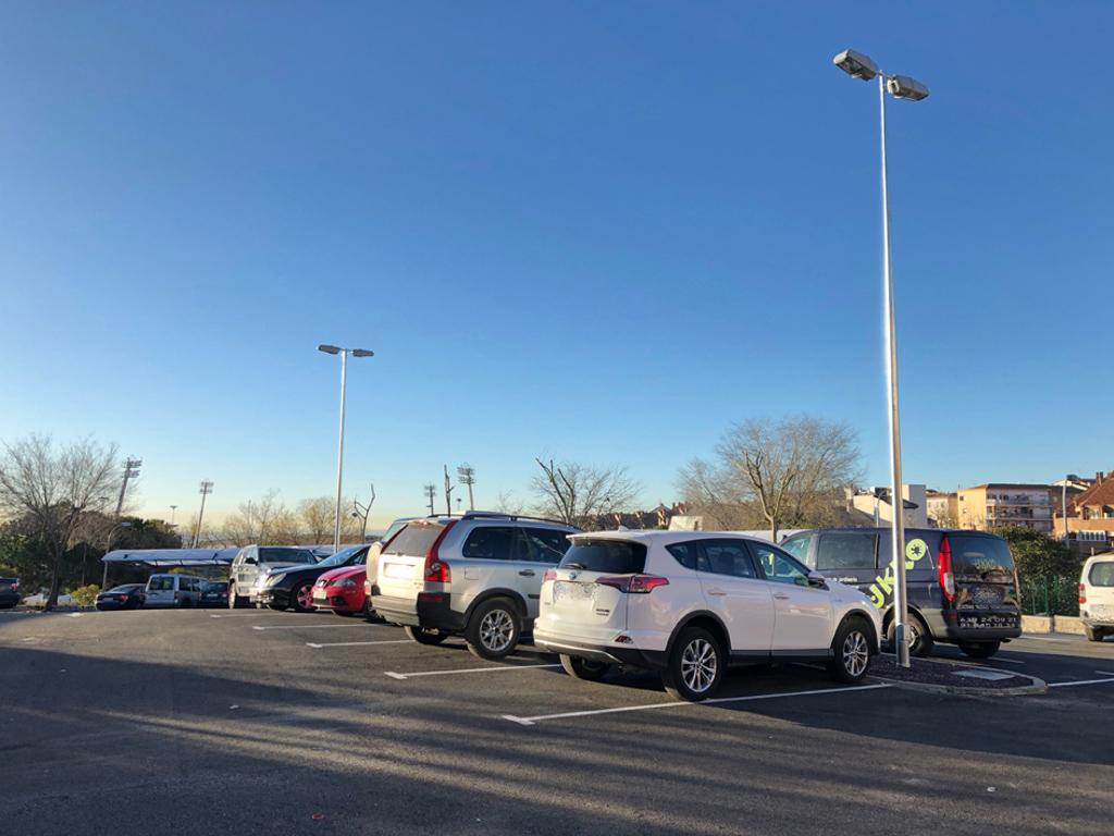 M s plazas de aparcamiento para la explanada de prado for Calle prado panetes 10 guadalix de la sierra