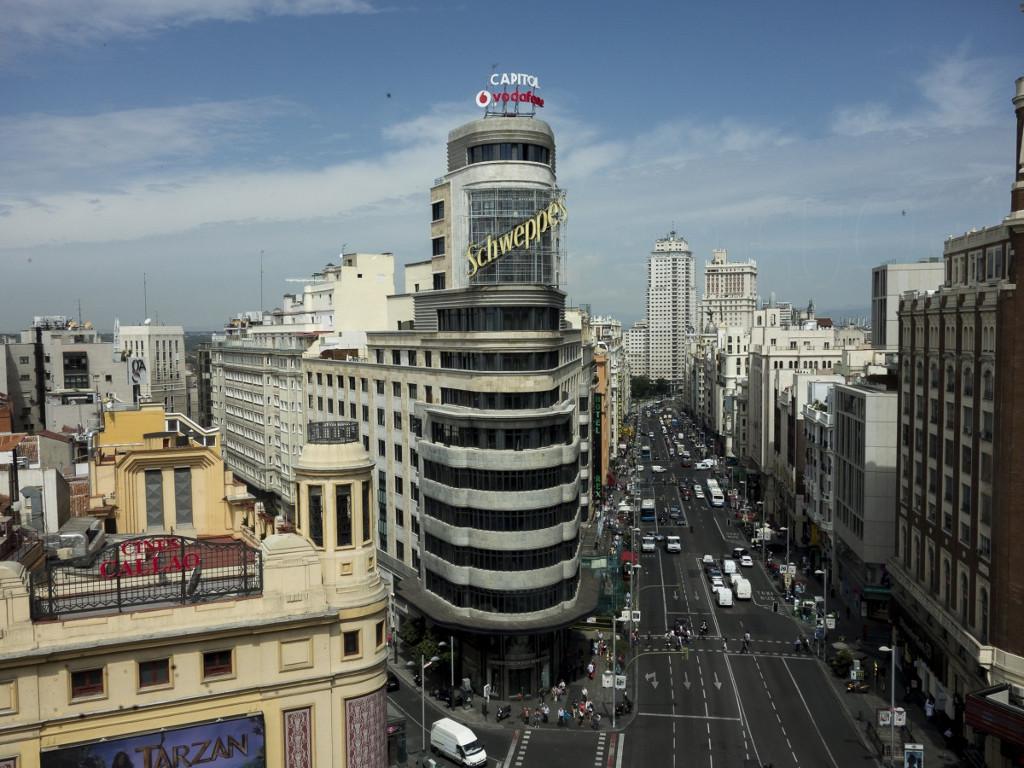 El edificio capitol de madrid declarado bien de inter s for Edificio de la comunidad de madrid